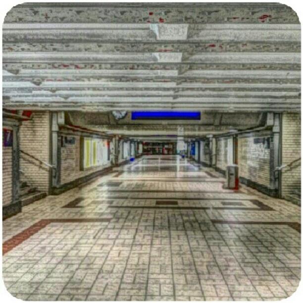 4:30 Nürnberg Hauptbahnhof(noch) gähnende Leere-die Ruhe vor dem Sturm