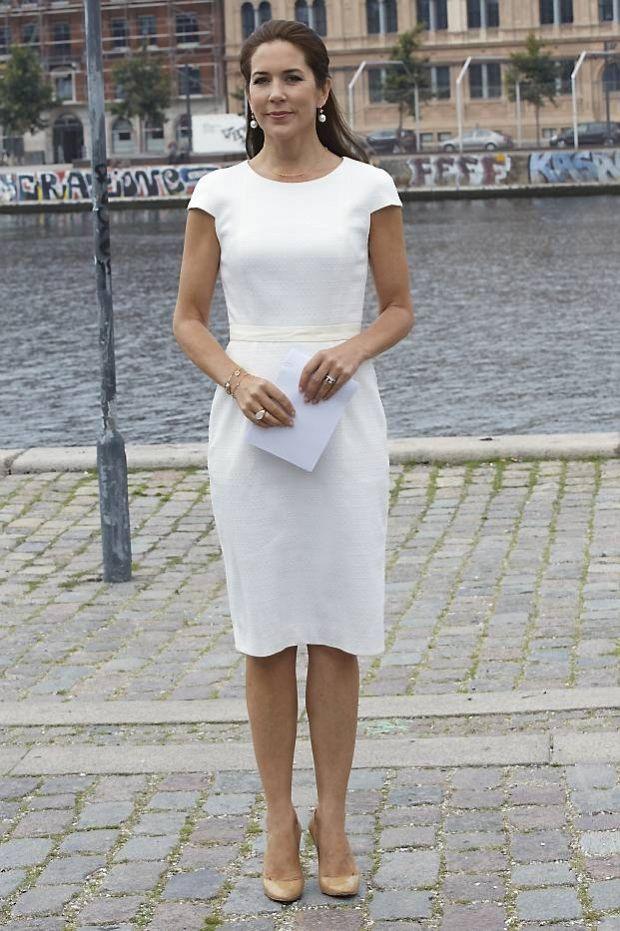 SE BILLEDERNE: 50 flotte kongelige kjoler i hvid | BILLED-BLADET
