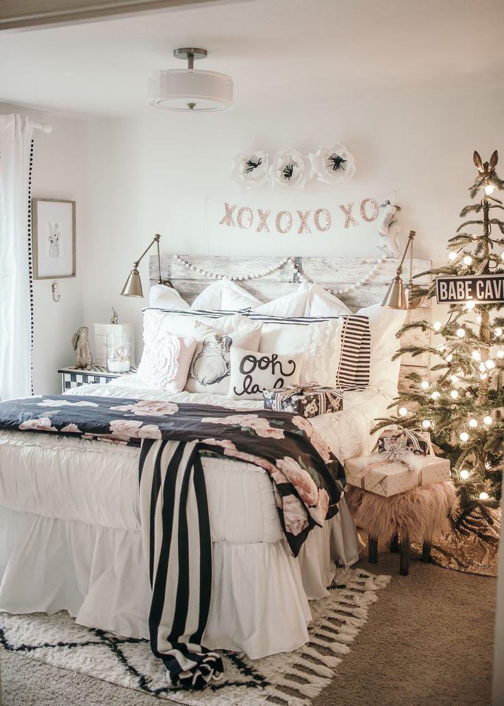 White Christmas Girls Bedroom with Beddy's zipper bedding!// girl's room inspiration, little girl's bedroom, fresh and feminine, natural light, bedroom inspiration, kid's room inspiration