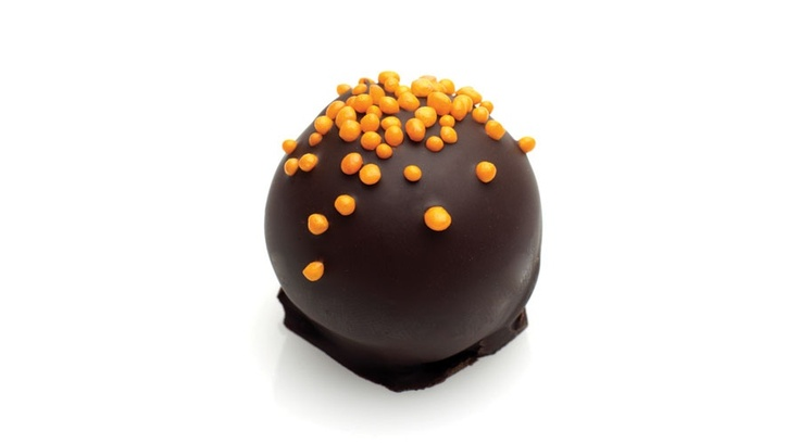 Valencia : The ultimate fruit and chocolate combination. More sweet than zesty this truffle is worthy of worshiping!