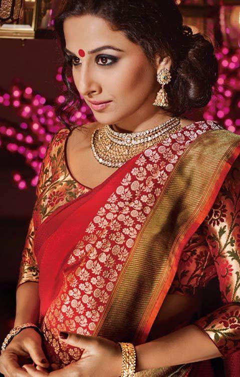 vidya balan in red banaras saree