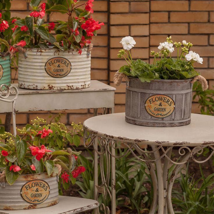 Haben Sie schon Möbel für das #Wochenende des Maies? Sehen Sie unten Esstisch zum Garten oder zur Veranda. Er ist im ganzen aus Metall hergestellt. Rund dem Tischplatte sind schone Verzieren. Wir laden zum Kaufen ein!!!  #Möbel #Tisch #Garten #Veranda #Kaufen