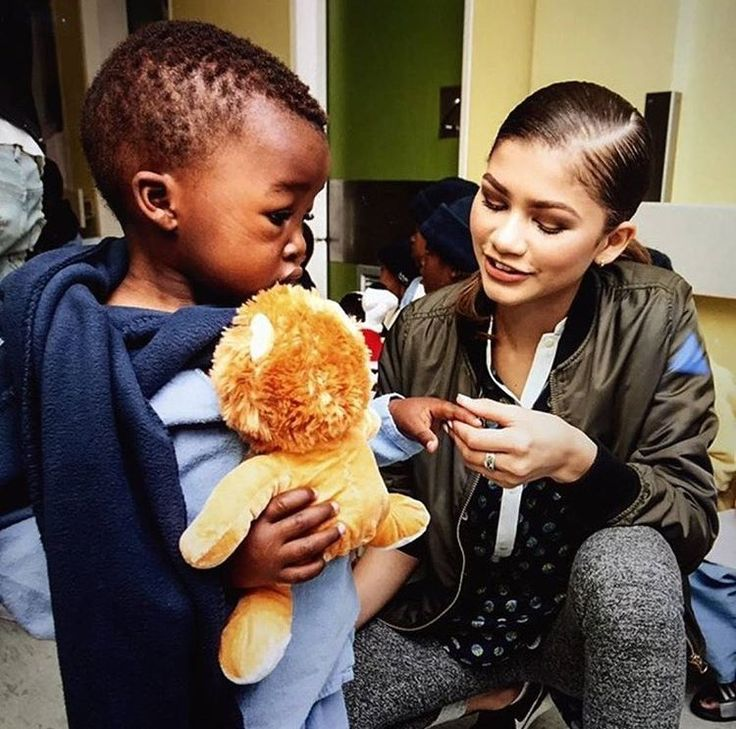"""kim on Twitter: """"zendaya is so beautiful I swear I never saw a women that attractive and that carries good values and is a role model for everyone"""""""