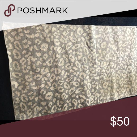4x6 leopard snow cheetah vs pink rug bathroom dorm | Pink ...
