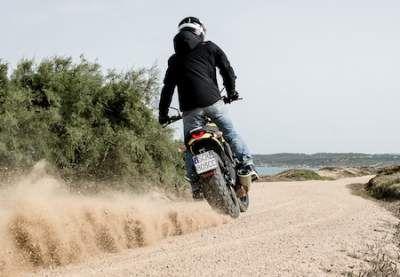 Ducati: Pirelli équipe la famille Scrambler avec son MT 60 R - Accessoires - Ducati - Pirelli - Pneu - Scrambler - Caradisiac Moto - Caradisiac.com