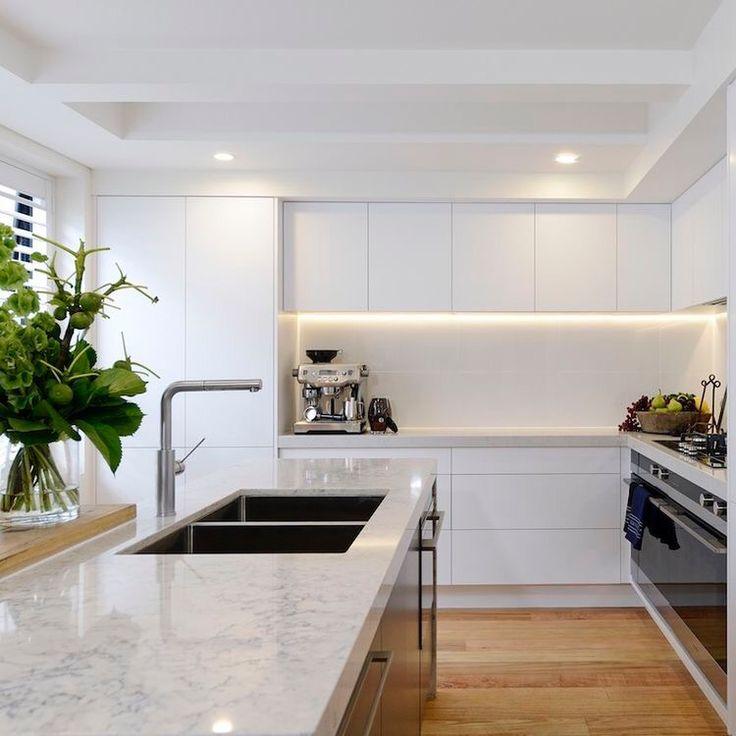 Einrichten Und Wohnen, Rund Ums Haus, Weißer Marmor Küche, Weiße Küchen,  Küchendecken, Led Beleuchtung Küche, Küchen, Küchen Modern, Hausdekorationen