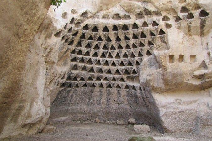 La mayoría de los arqueólogos e historiadores están de acuerdo en que la civilización se sumergió hace solo unos 10.000 ó 12.000 años atrás. Sin embargo, m