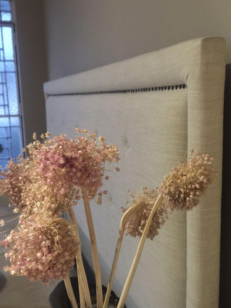 Cabecera minimalista con textura de nuestra tela restaurada by BERKANA Shop