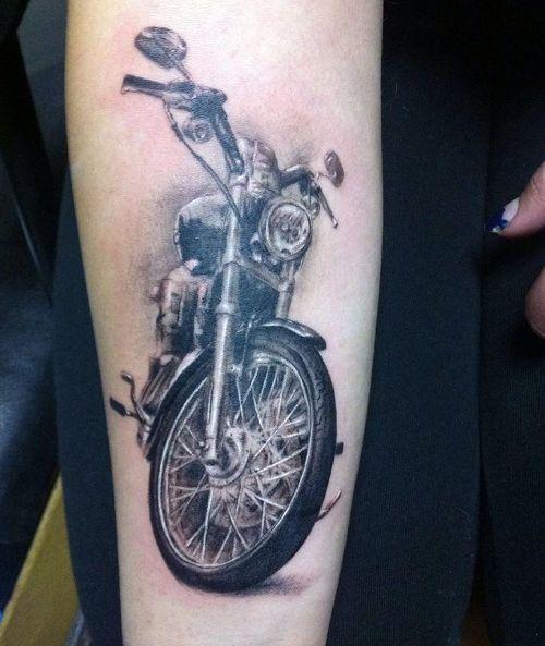Татуировка мотоцикла, байка, стильная тату