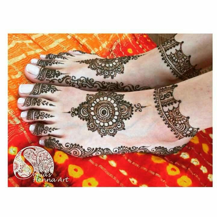 Less is more. Bridal henna. Sonia's henna art