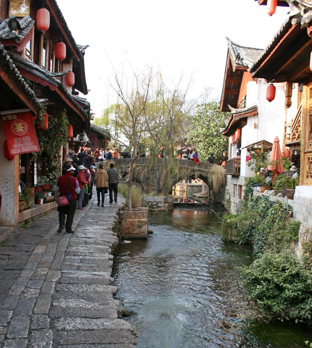 how to travel to lijiang china