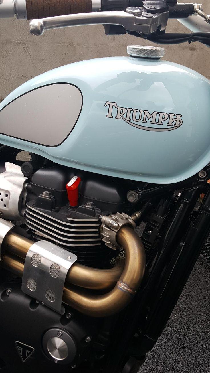 Classic Bikes, Classic Style, Bike Ideas, Sunday, Triumph Bonneville, Cafe  Racers, Street Tracker, Girls, Scrambler