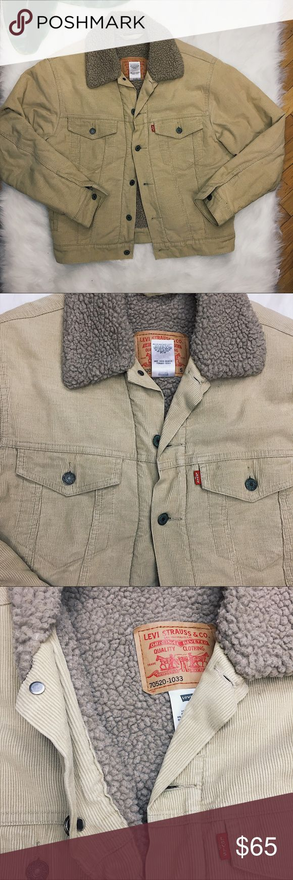 ✨VINTAGE✨MENS LEVIS SHERPA TRUCKER CORDUROY JACKET Vintage  MENS Levi trucker Sherpa jacket Size S 100% cotton Very small stain on hem of sleeve - should come out Levi's Jackets & Coats