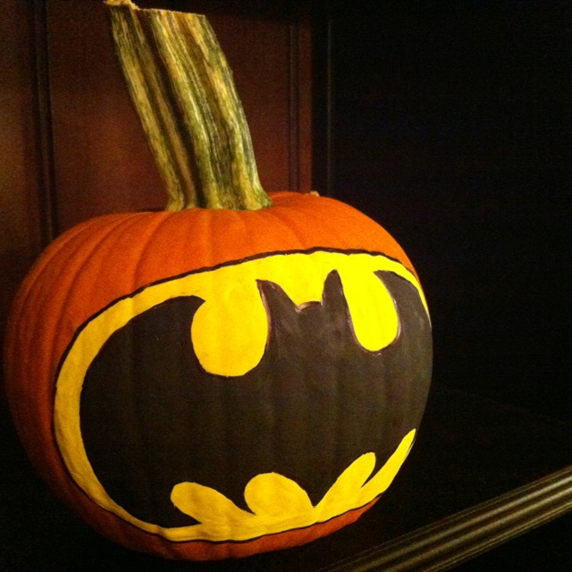 17 best images about halloween 2013 on pinterest glow - Charming kid halloween decoration with various batman pumpkin ...