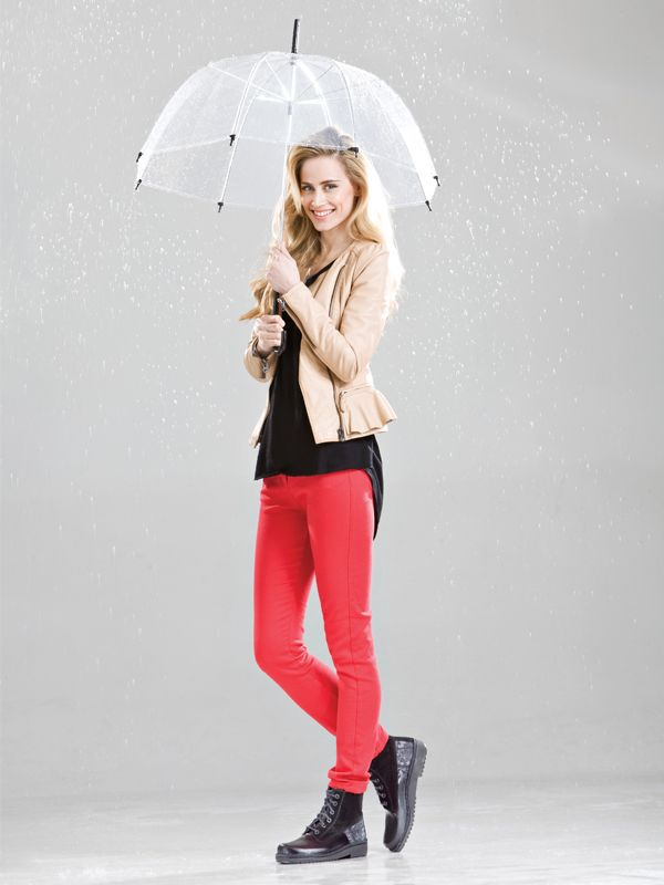 NAOT - CLAUDIA Black (Lifestyle Image) #NAOT #footwear #shoes #boots #orthoticfriendly #fashion #comfort #bestseller #trendy #rain #winter #style #umbrella