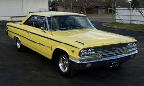 1963 FORD GALAXIE CUSTOM 2 DOOR HARDTOP - Barrett-Jackson Auction Company - World's Greatest Collector Car Auctions