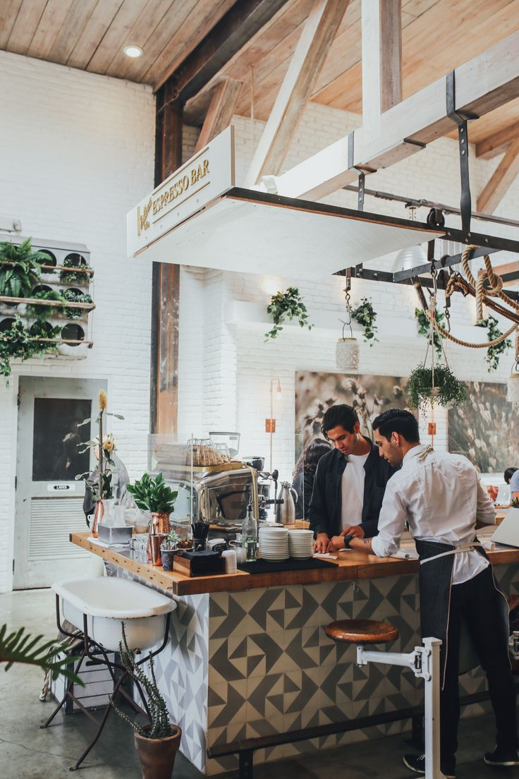 One of the best things about travelling to Southern California is not only  the good food, but the really really good HEALTHY food! Restaurants like  Cafe Gratitude, Gracias Madre,The Butcher's Daughter, and a whole bunch of  juice bars full of acai bowls are not only gorgeous and delicious, but