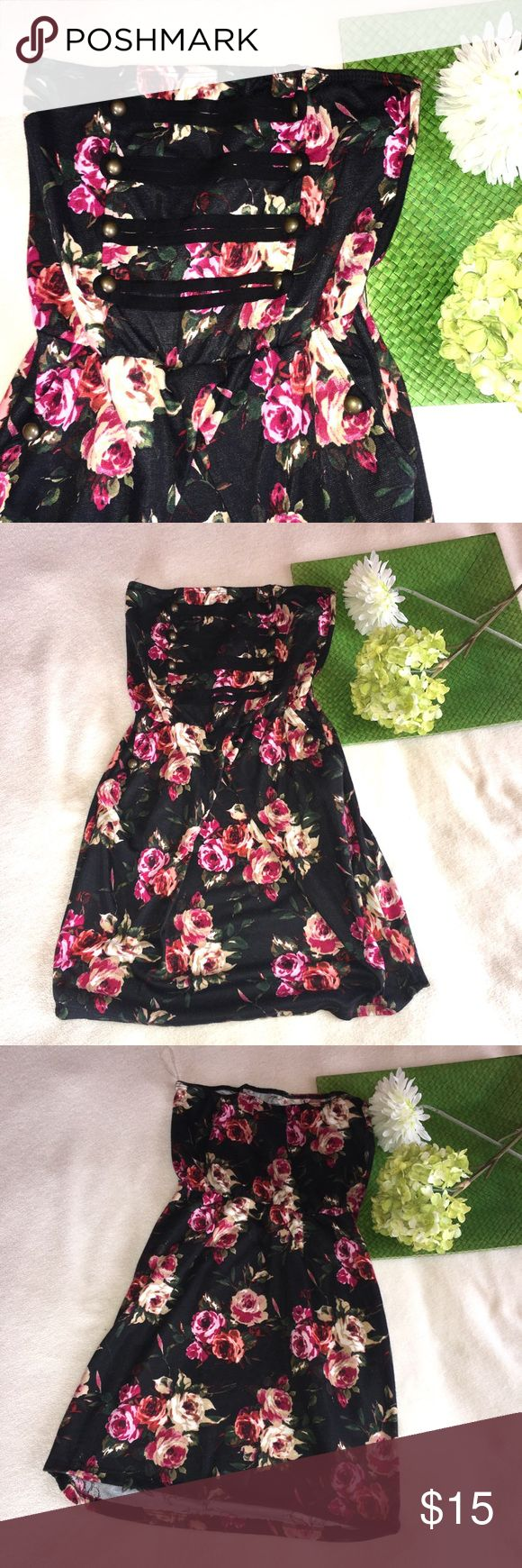 Floral bodycon dress with pockets All offers considered! Wet Seal Dresses Mini