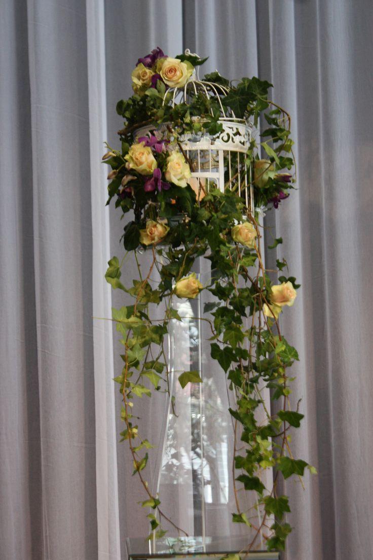 #birdcage #floral #accessories #eventdecorations #Melbourne #weddingdecorations #linenhire #centerpieces www.decorit.com.au (6)
