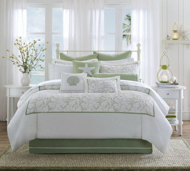 chambre blanche romantique de style cottage anglais en vert pâle