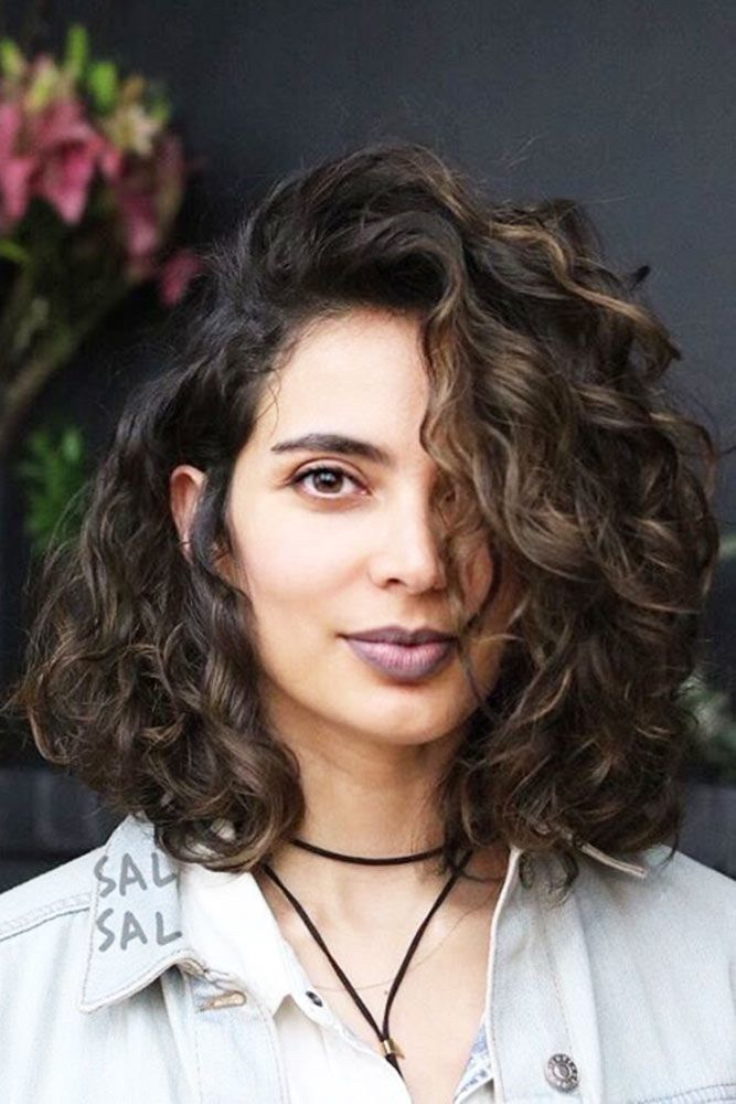 Cool Haircut For Wavy Frizzy Hairshort And Curly Haircuts Bob Haircut Curly Curly Hair Styles Wavy Bob Hairstyles