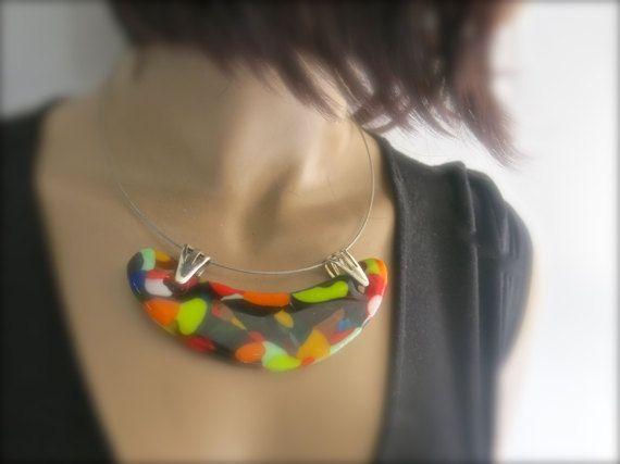 Gesmolten glas verklaring kleurrijke halsketting door Glassimo