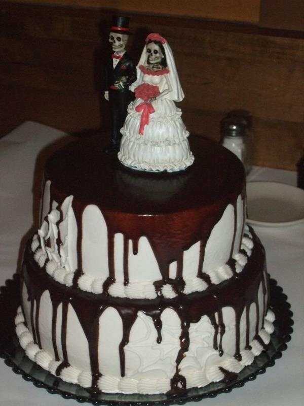 this cake is scary - Halloween Is Scary