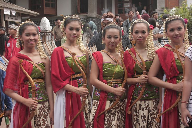 Tari Jamparing #sundanese #traditional #dance #WestJava #indonesia