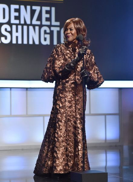 Actress Cicely Tyson speaks onstage during BET Presents the American Black Film Festival Honors on February 17, 2017 in Beverly Hills, California. - BET Presents the American Black Film Festival Honors - Roaming Show
