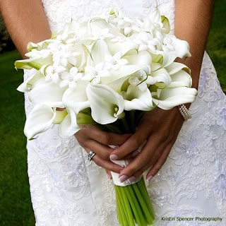lily What I carried for MY wedding....LOVE!!!