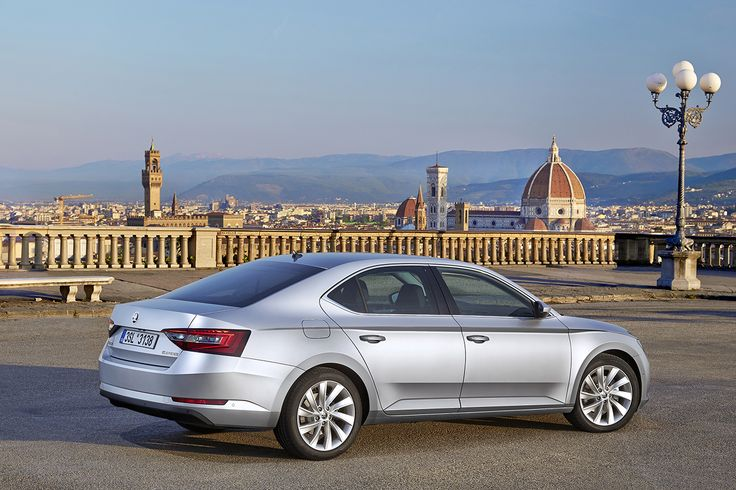 Since 2001, the ŠKODA Superb has been at the top of the ŠKODA model range. Since then, the car manufacturer has delivered more than 700,000 first- and second­generation Superbs to customers, making the ŠKODA Superb one of the most popular vehicles in its class #superb #newsuperb #skoda