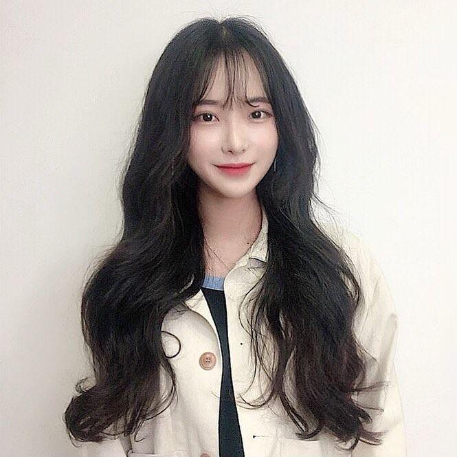 黒髪シースルーバングだけじゃない イマドキ韓国女子のロングヘア
