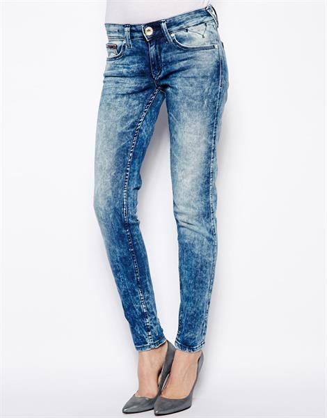 В джинсы мраморные