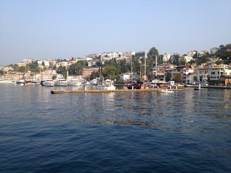 Boğaz turu gezileri yapabilmeniz için İstanbul da cazip fiyatlar karşılığında lüks ve ekonomik standartlarda tekne ve yat kiralama hizmeti veriyoruz. Tüm yat ve tekneleri kuru olarak kiralama imkanınız olduğu gibi yemek ya da kokteyl menü hizmeti alarak da kiralayabilirsiniz. Her türlü özel gün, davet, kutlama ve eğlence organizasyonları için! http://www.bogazturu.com