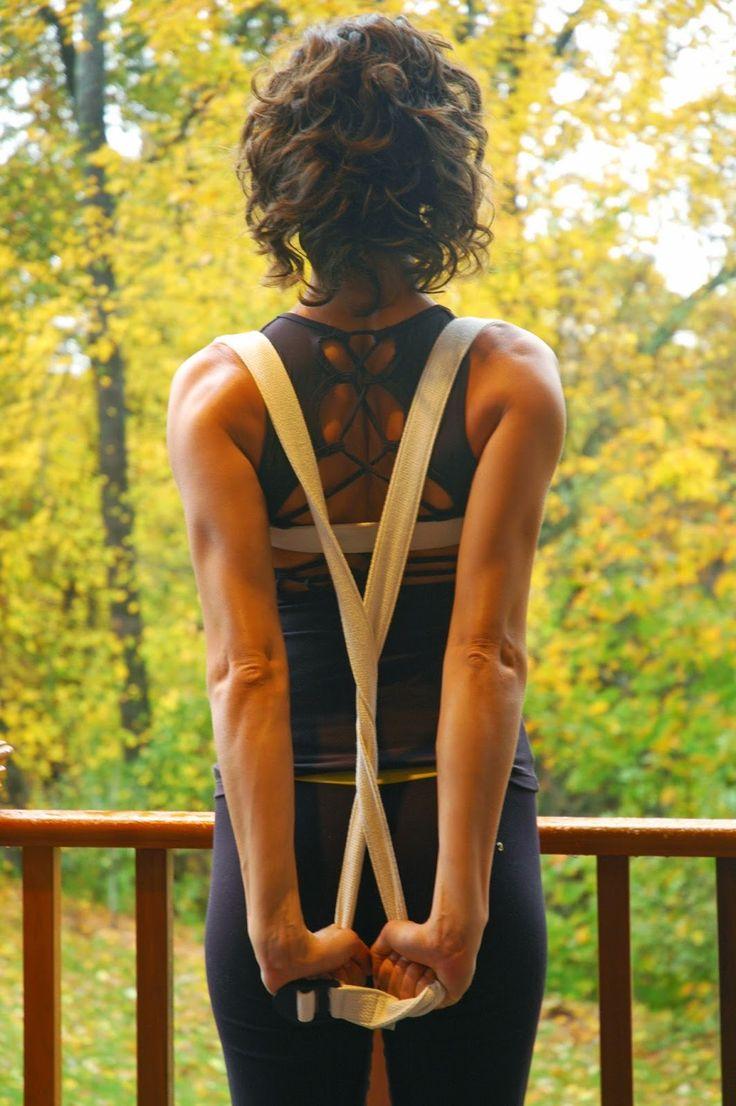 Yoga Human: Beginner's Guide to Yoga Props - Part 2: Straps, Blankets, Bolsters,Sandbags