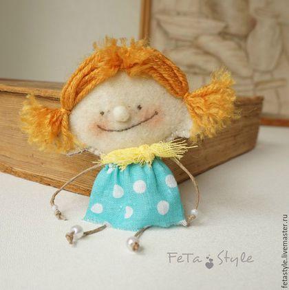 Броши ручной работы. Ярмарка Мастеров - ручная работа. Купить Брошь - Куколка из фетра и хлопка. Handmade. Оранжевый, кукла-брошь