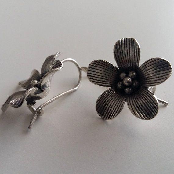 Sterling Silver Earrings Flor de Felicidad Flower Earrings