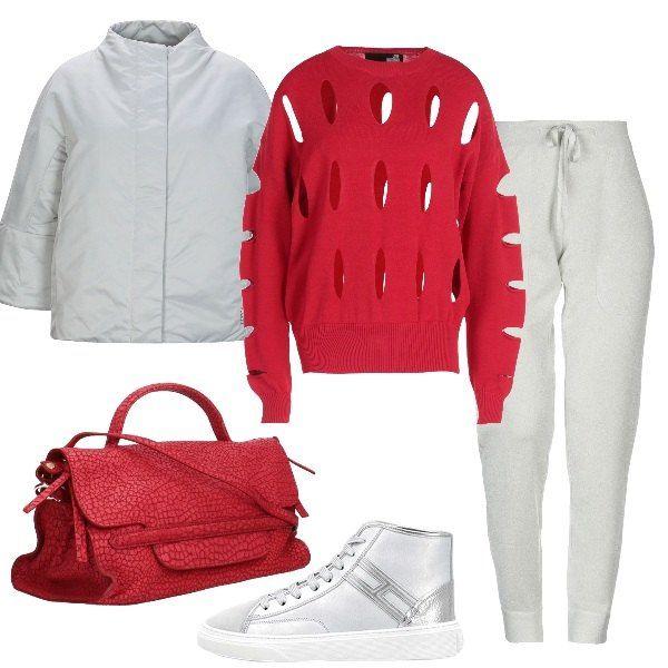 best loved c75e5 9746e Outfit composto da maglione rosso con fori, piumino leggero ...