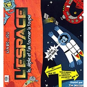 Un Livre-Jeu de l'Oie, version Star Trek ?    Parmi les milliers de livres pour enfants consacrés à l'espace,C'est à la fois un vrai livre dans lequel on découvre, avec des personnages rigolos, l'univers depuis le système solaire jusqu'aux galaxies. Et c'est aussi un immense Jeu de l'Oie de 3 mètres de long grâce auquel on parcourt un cosmos semé d'embûches.    La version originale américaine, ainsi que la traduction espagnole sont également disponibles.    Âge: de 6 à 12 ans