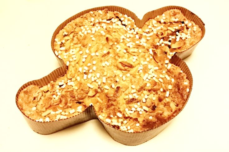 Dove cake for Easter: the Italian Colomba Pasquale - http://easyitaliancuisine.com/dove-cake-for-easter/