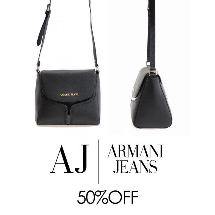 Borse ARMANI Jeans ora al 50% di #sconto. Scegli il design che fa per te, è il momento dei #saldi! ► http://bit.ly/1TUCvTv #FreeShipping #bags #ILoveOnlineShopping #fw15 #Armani