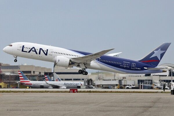 LAN Airlines - Boeing 787-9 (CC-BGA) - takes off from LAX on June 27, 2015.