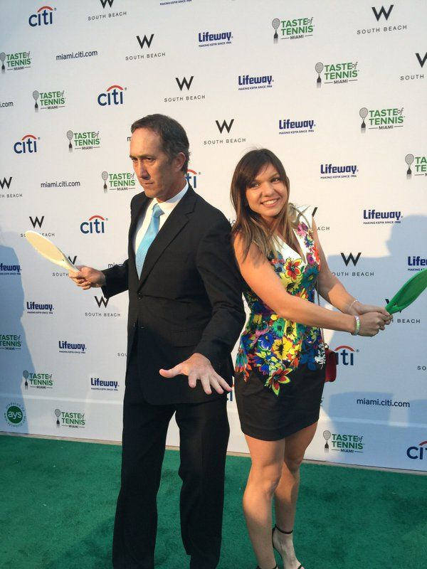 """Outside the Ball on Twitter: """"Photo of the night  may have to go to these two! @Simona_Halep @darren_cahill  #tasteoftennis https://t.co/vLhBlcLMun"""""""