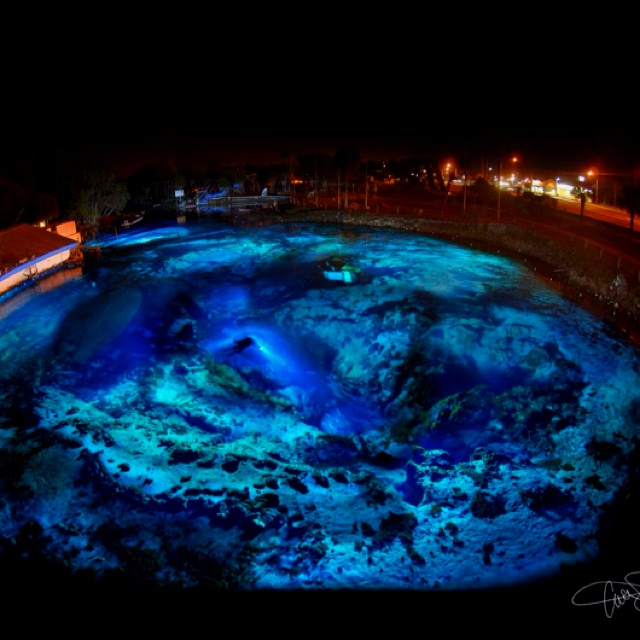 Beautiful Places Underwater: Coolest Pool I've Ever Seen!