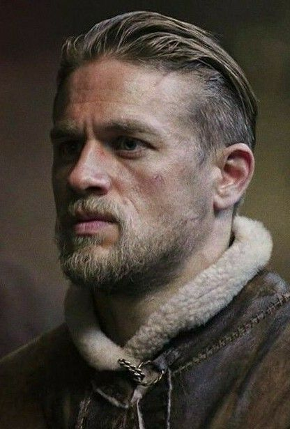 Pin by Nik Nak on Charlie Hunnam in 2019  Charlie hunnam