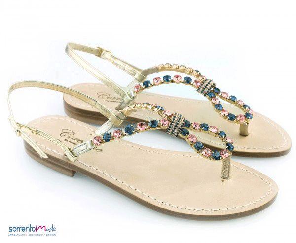 Sandali artigianali realizzati a mano stile Positano, esclusivamente Made in Sorrento, diponibili in diversi colori.  www.sorrentomade.com
