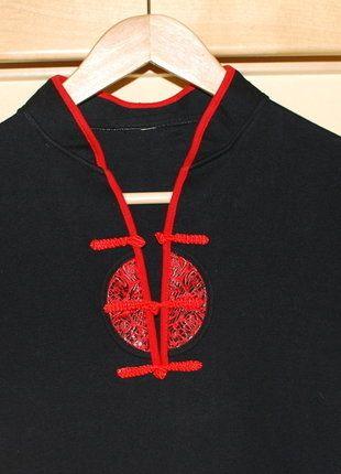 Kupuj mé předměty na #vinted http://www.vinted.cz/damske-obleceni/kratke-saty/15743691-cerne-saty-orientalni-s-cervenymi-doplnky