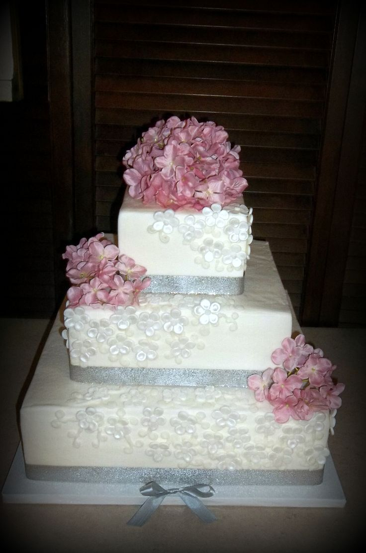 square wedding cake with fondant flowers wedding cake ideas 3 tiered square fondant flowers 20437