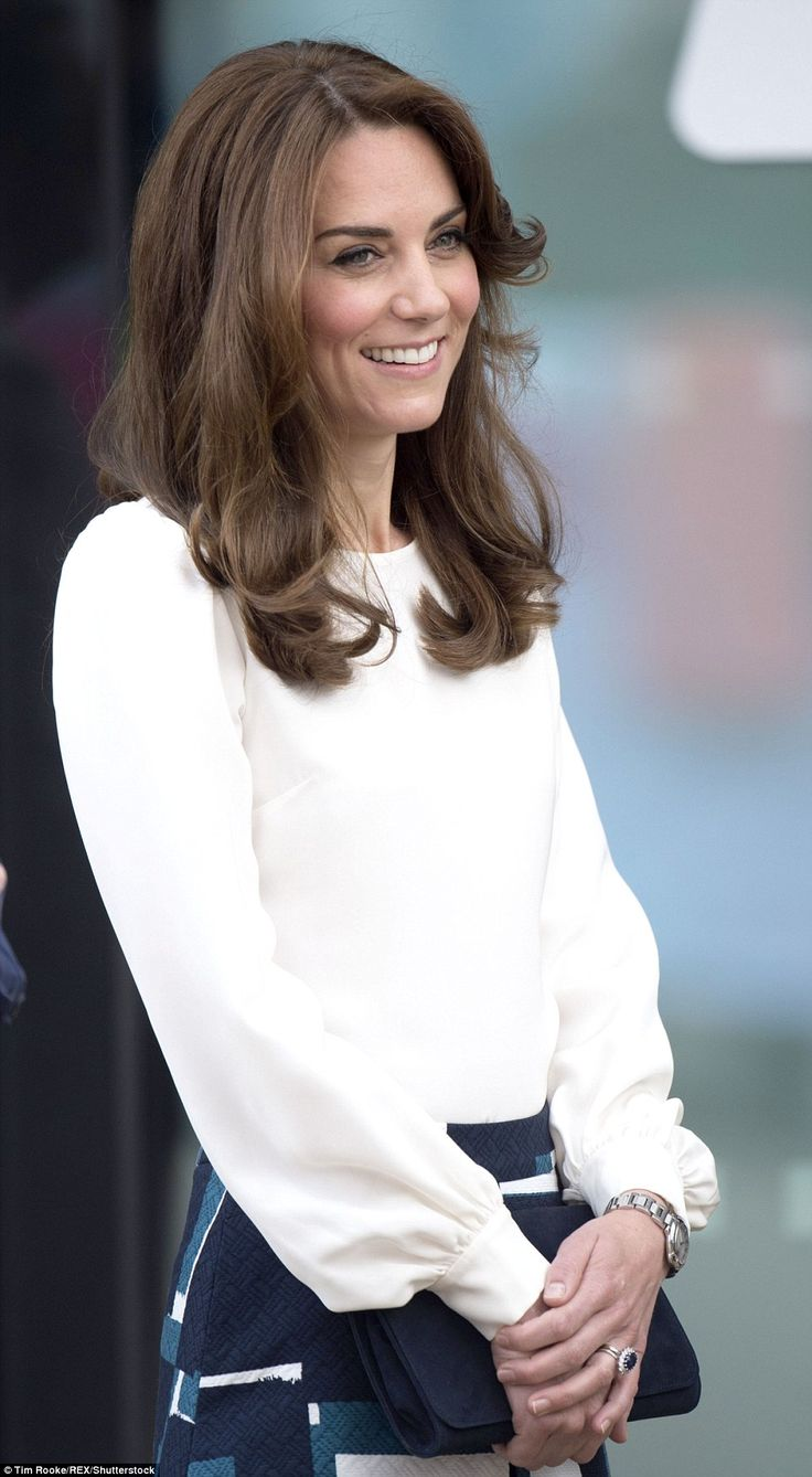 The Duchess looked fresh-faced and kept her make-up to a minimum ...