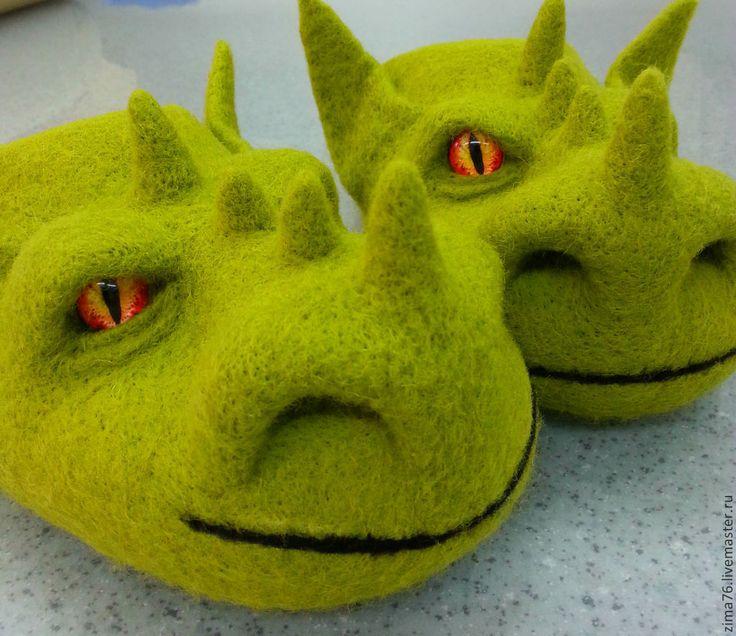 Купить тапки драконы - разноцветный, дракон, зелёный дракон, подарок девушке, подарок мужчине